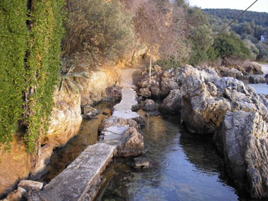 Rocky path in Horto